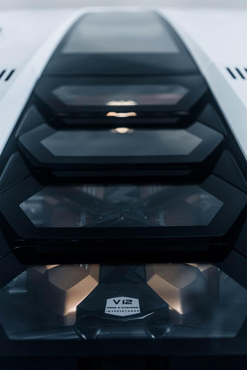 經典回歸,絕無僅有!Lamborghini Countach LPI 800-4亮相!(圖/CarStuff)