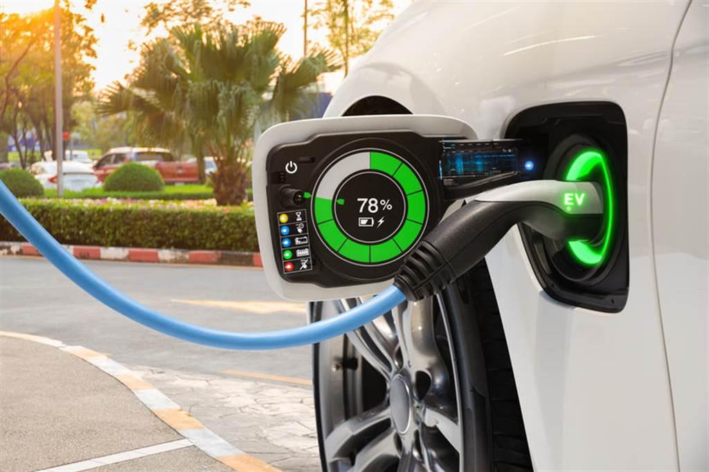 彭博社大膽斷言燃油車銷量已經見頂 宣告車市未來屬於電動車(圖/DDCar)