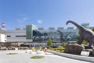 歡迎光臨恐龍王國福井縣!走出JR福井車站就有迎賓恐龍等著你