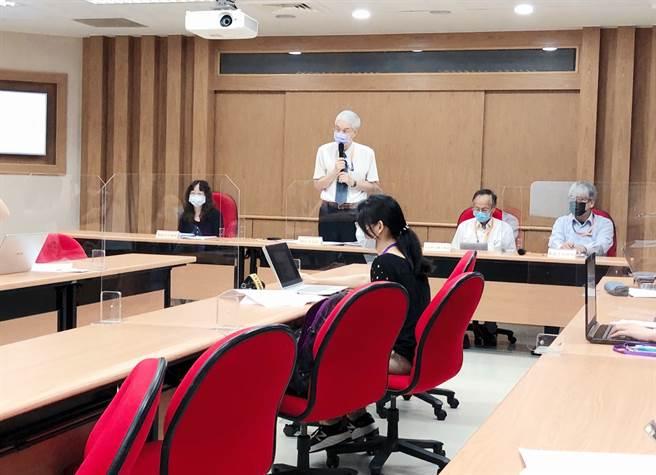 大考中心今日(8/16)上午舉行110學年度指定科目考試成績相關統計資料記者會。(攝影/王雅芬)
