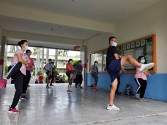 西螺七崁武術研習不中斷 疫情衝擊今年練「拳母雙隨」