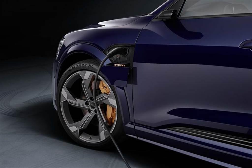 台灣也將引進,Audi全球首發三馬達電動車e-tron S北美售價公開(圖/DDCar)