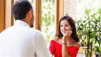 女子和新對象約會 陌生男竟塞紙條「1句話」警告她快逃