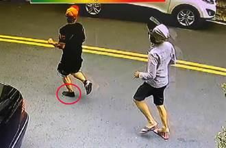 影》驚悚街頭追砍!自助餐老闆遭狂砍10多刀逃命 鞋子都跑掉