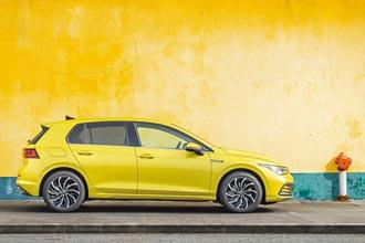 駕馭VW Golf 230 eTSI輕鬆享受高科技