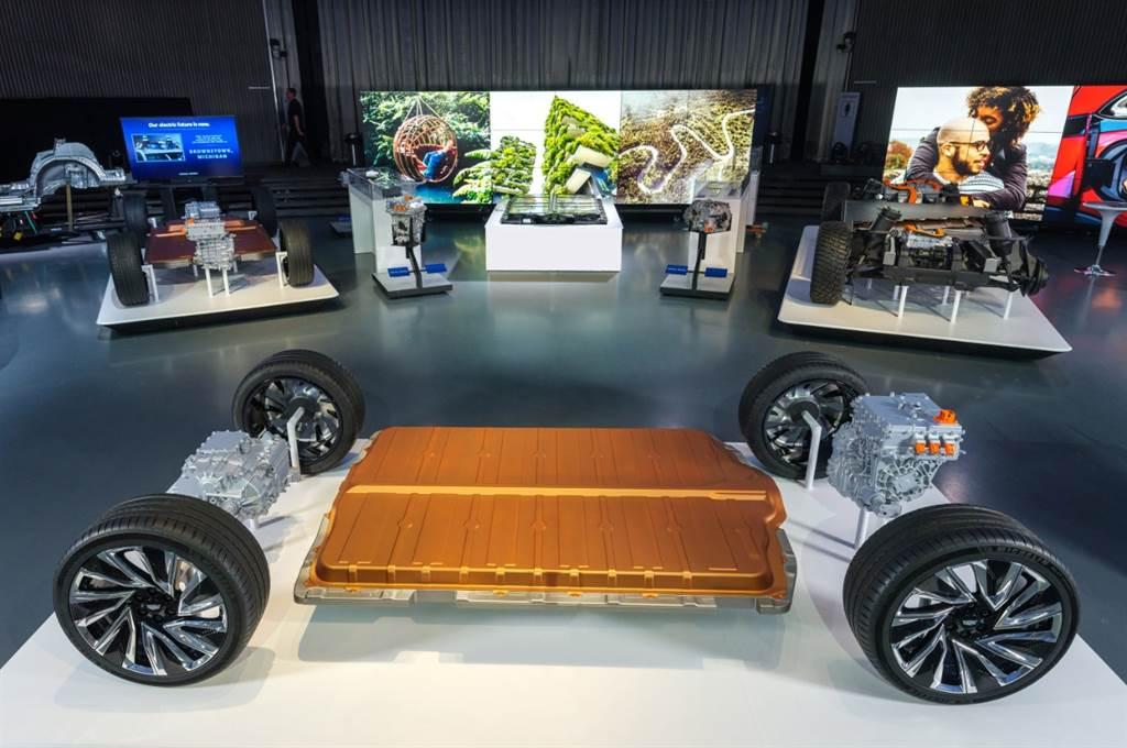 「大黃蜂」Chavrolet Camaro 2024年停產、將轉型成電動性能房車(圖/CarStuff)