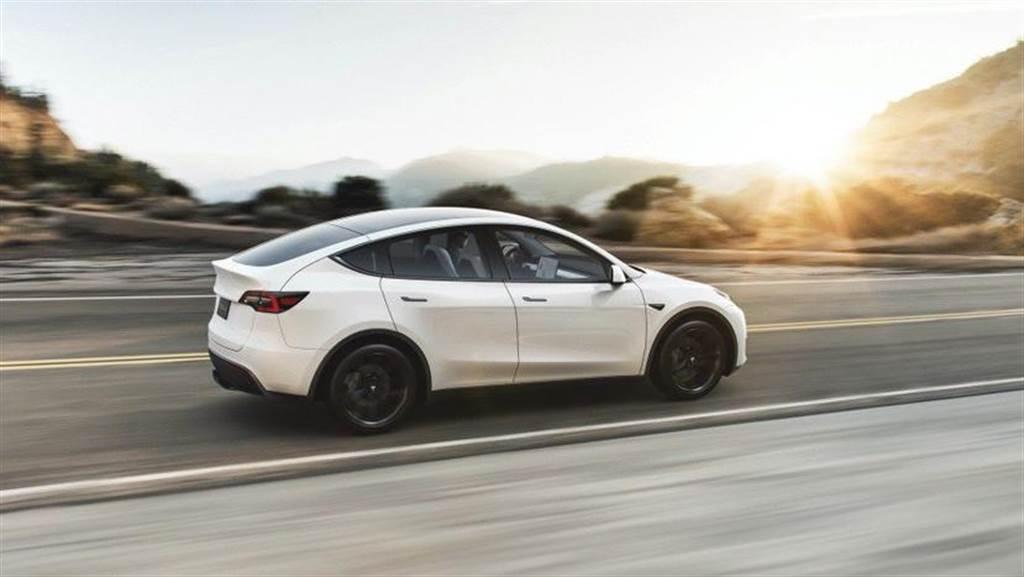 Tesla Model Y 將推出「超長續航」版 里程提升640 公里(圖/DDCar)