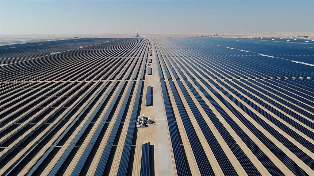 BMW以全新工法製造零碳排放的鋼鐵及完全採用太陽能發電的能源生產的鋁合金,大幅降低每一輛車在生產過程中的碳排放量。(圖/業者提供)