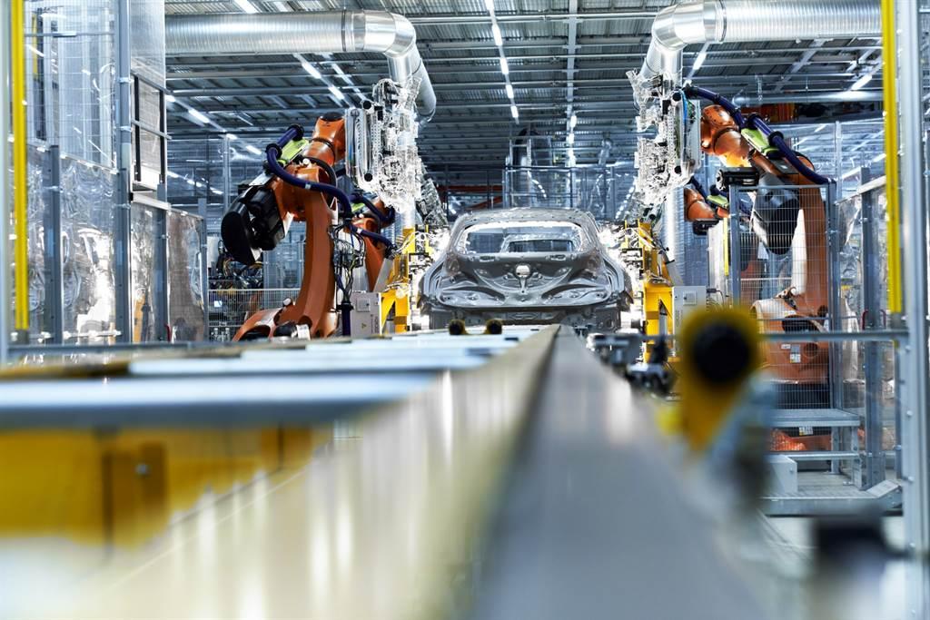 BMW導入全新封閉式材料循環概念,讓工業材料 ─ 鎢可以被重複利用並再生,能大幅減少70%的能源消耗及60%以上的二氧化碳排放量。(圖/業者提供)