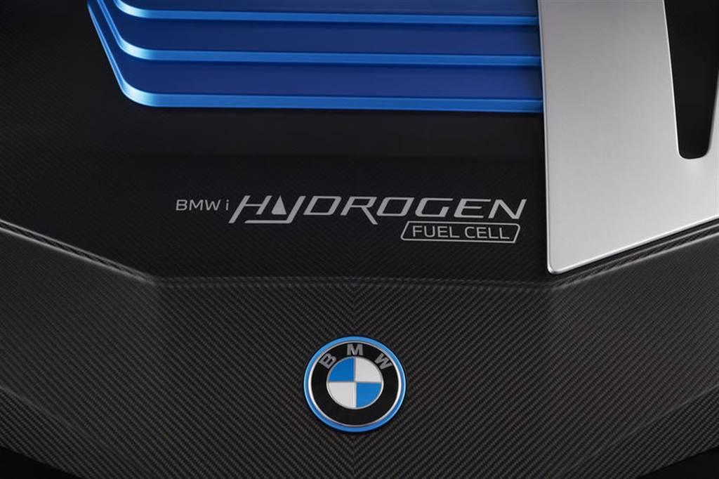 三分鐘充滿上路:BMW iX5 Hydrogen 氫燃料電池車預計 2022 年小量生產(圖/DDCar)