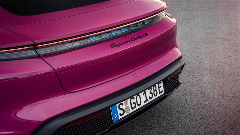 保時捷Taycan 2022年式電能進化 追加多達65種車色選擇(圖/DDCar)
