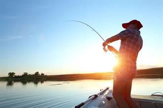 漁夫捕5公斤大石斑陷激戰 下秒竟被拖入水中慘死