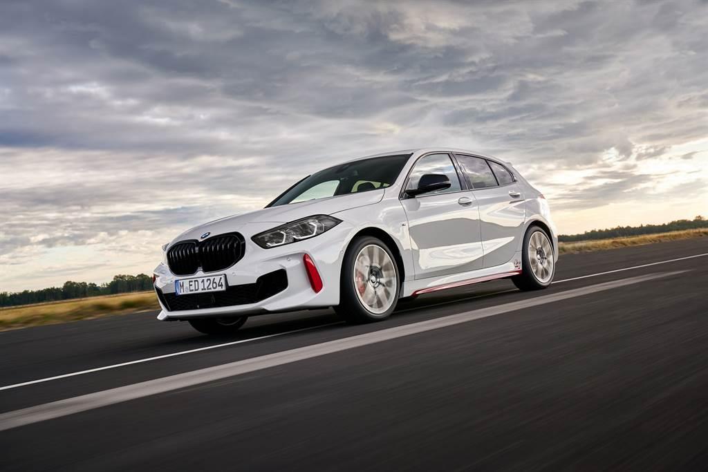 BMW 128ti性能掀背預售正式展開,預售價209萬元。(圖/業者提供)