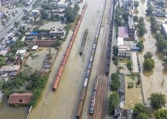 河南新鄉市因水災損失1800億 6.6萬民眾已回遷