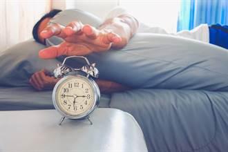 設貪睡鬧鐘會疲憊4小時 醫籲起床別做3件事