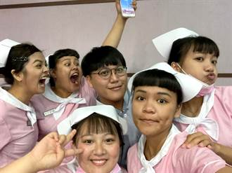 義守大學「跨院系學分學程」 助力護理學系陳韋允朝夢想前近