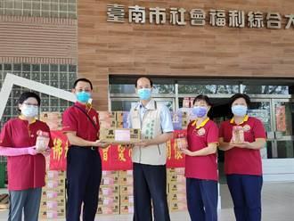 宗教送愛 世界佛教正心會提供數百箱物資贈實物愛心銀行