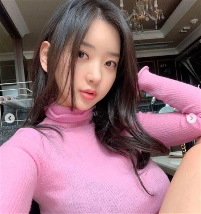 申才恩擁有E級好身材,是南韓新一代IG女神。(圖/翻攝自IG)