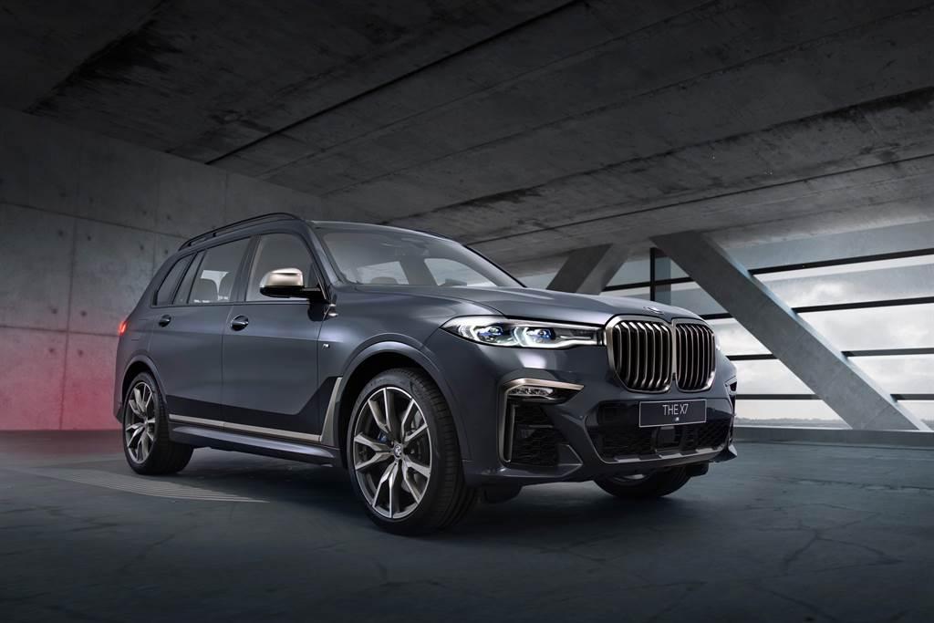 BMW X7 M50i同時將奢華與性能完美呈現,再次引領豪華性能車款級距。(圖/業者提供)