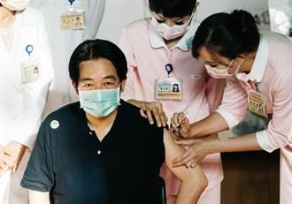 影/副總統賴清德施打高端疫苗:打完說OK