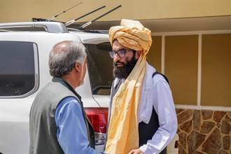 CNN:傳阿富汗前總統卡賽遭塔利班軟禁