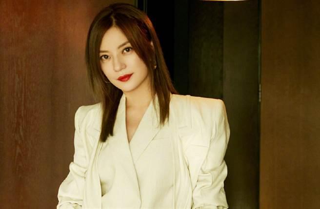 大陸女星趙薇瘋傳被封殺,目前她主演作品已被多個影音平台下架。(取自趙薇微博)