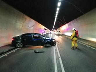 雪隧北上自撞車禍2傷 疑疲勞駕駛肇事