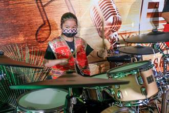 新竹縣舞動原鄉開訓 10歲女爵士鼓手超厲害