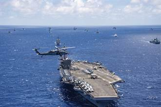 牽制陸 美航艦卡爾文森號睽違18年泊靠橫須賀