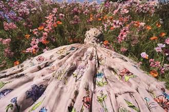 女星娜塔莉波曼率性而為 展現香氛浪漫
