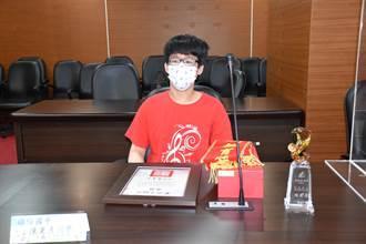苗栗縣長徐耀昌接見表揚5名總統教育獎得獎同學