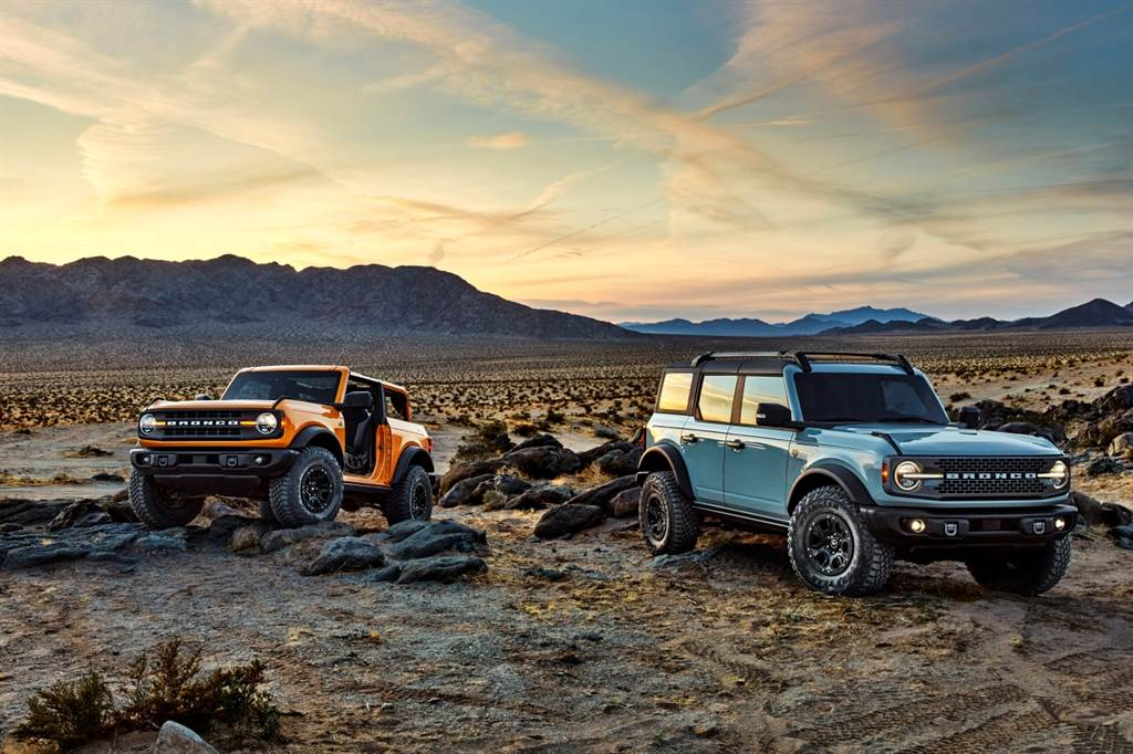 Ford新世代越野車Bronco推出後便成車迷注目焦點,在美銷售火熱到近期已經暫停預訂。(圖/Ford提供)