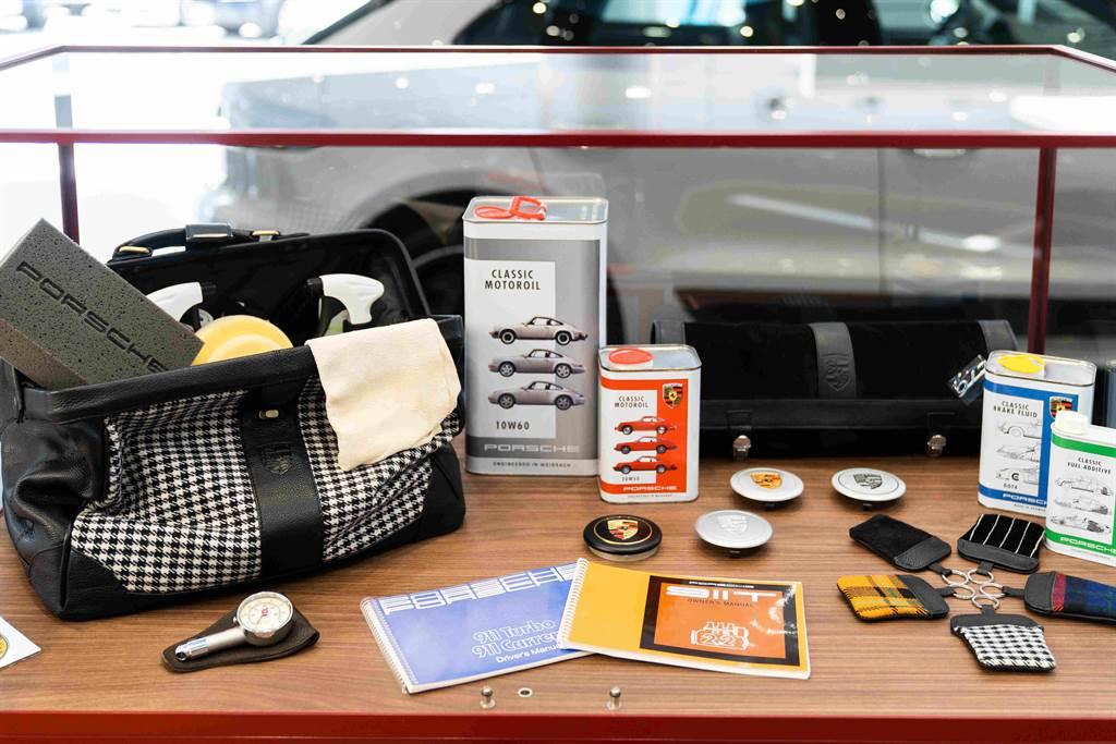 展示中心內設置獨立區域,展示經典車型、原廠零件與一系列技術專書。(圖/業者提供)