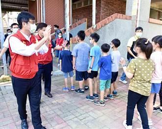 巿長好!開學首日 梓官國小「彩蛋」是陳其邁