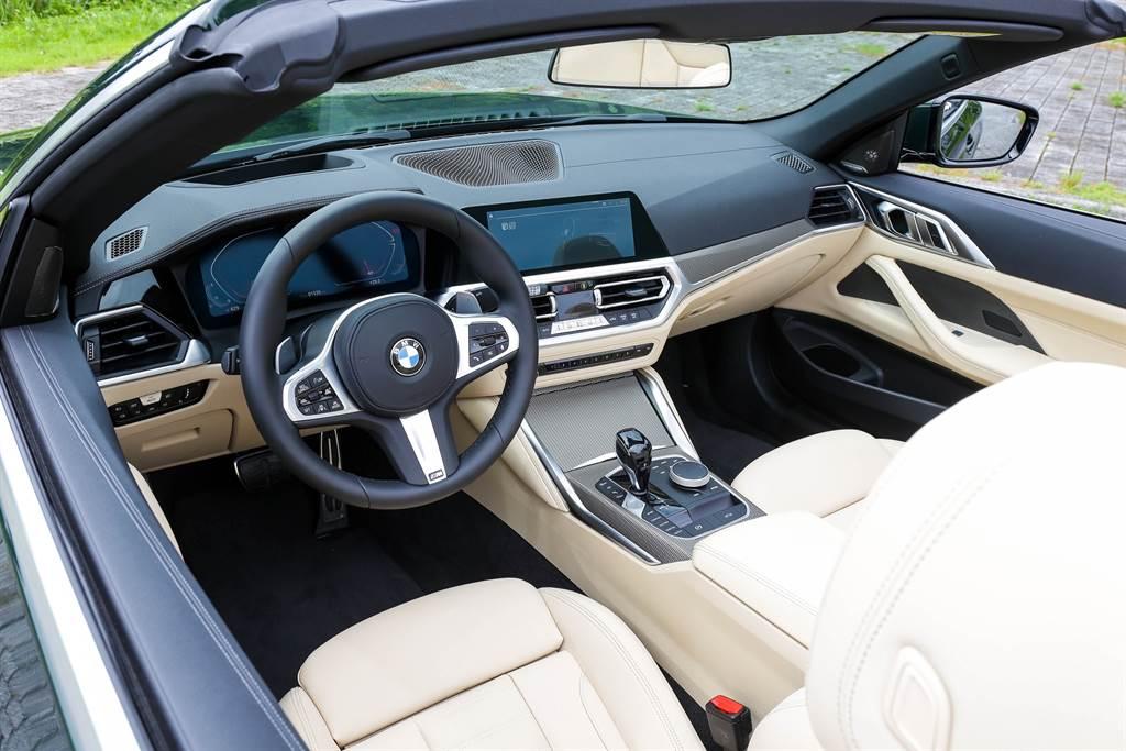 車室內裝採用白色Vernasca真皮,整體鋪陳與新世代BMW雷同。(圖/陳彥文攝)