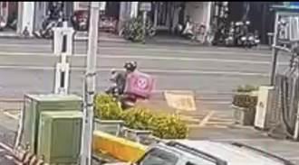 加油站攔車桿遭撞歪 警調監視器揭真相原來是他撞的
