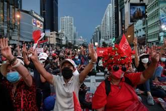 控防疫不力 泰國前紅衫軍領袖號召每天示威