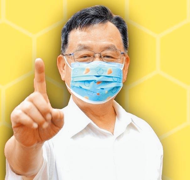 澎湖防疫最成功,超前部署比中央還快,縣長賴峰偉(見圖)強調,只要是對的,一定會堅持下去。(陳可文攝)