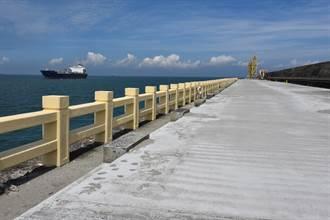 台中港北堤釣魚示範區 2年吸引10萬釣友朝聖