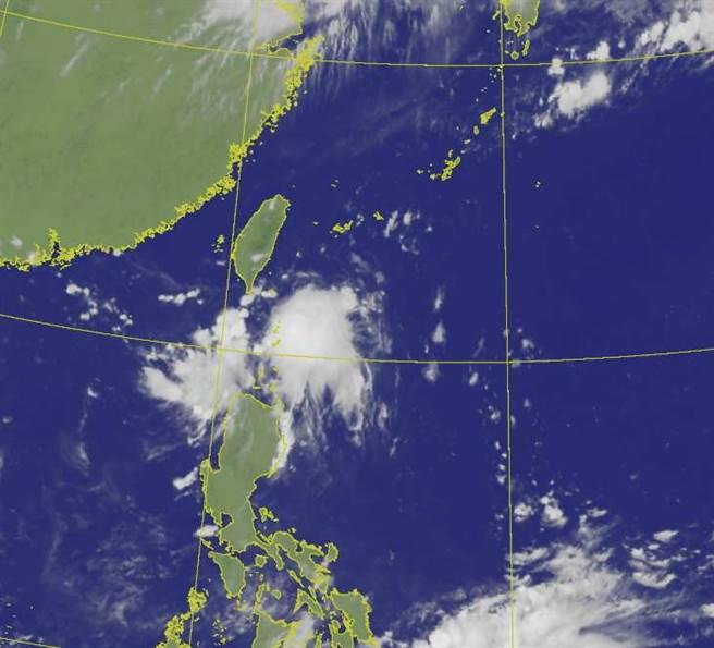本周菲律賓東方海域有熱帶擾動活動,有機會發展成熱帶性低壓甚至颱風。(翻攝自氣象局)