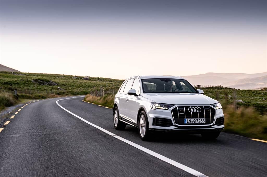 Audi Q7取消原50 TDI quattro,改為45 TDI quattro與55 TFSI quattro兩動力。(圖/業者提供)