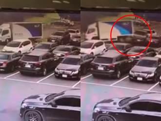 物流車坡道下滑猛撞2車 司機竟緩走目睹挨批:放棄了?