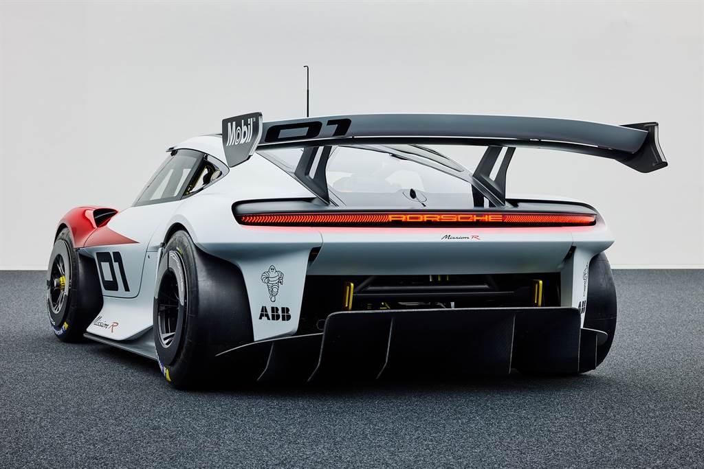 配備全新設計的電動馬達及電池,全面搭載創新的直接油冷系統,保時捷Mission R在競賽模式可輸出達680 PS的恆定動力。(圖/Porsche提供)