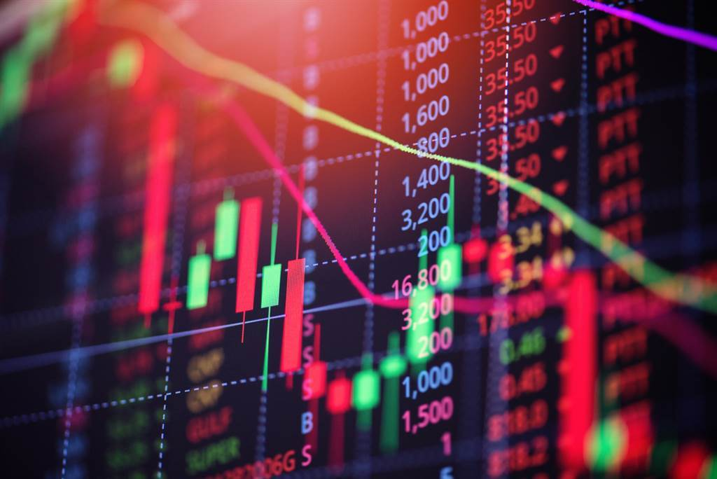 台股今(7日)開高走低,收在17428.87點,下跌66.43點,外資連續3個交易日買超,今再買超61.50億元。(示意圖/達志影像)