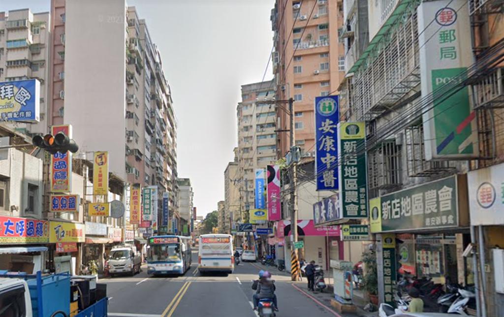 安坑輕軌是當地房市最大題材,安康站為在地房市熱區。(圖/翻攝自Google街景)