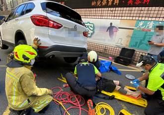 婦遭酒駕男擦撞倒地 後車直接輾壓全身多處骨折