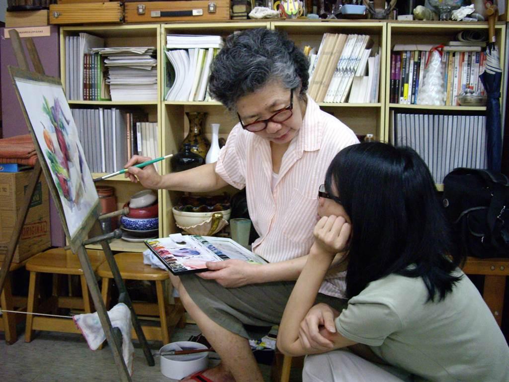 知名畫家、散文作家梁丹丰於9月6日晚間辭世,享壽86歲。她在銘傳大學任教超過半世紀,桃李滿天下。(銘傳大學提供/李侑珊台北傳真)