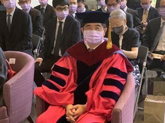 獲頒清大名譽博士 聯電董座洪嘉聰很開心