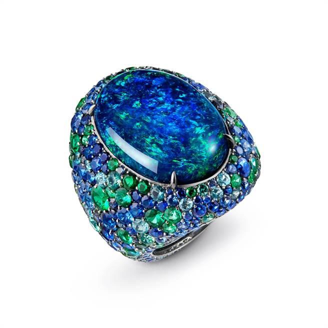 寶詩龍Illusion蛋白石戒指,30.98克拉黑蛋白石,1545萬元。(Boucheron提供)