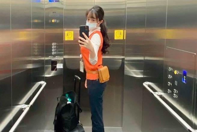 An之前因在高鐵上跪地安撫哭泣乘客,被封為「天使乘務員」。(圖/翻攝自IG)